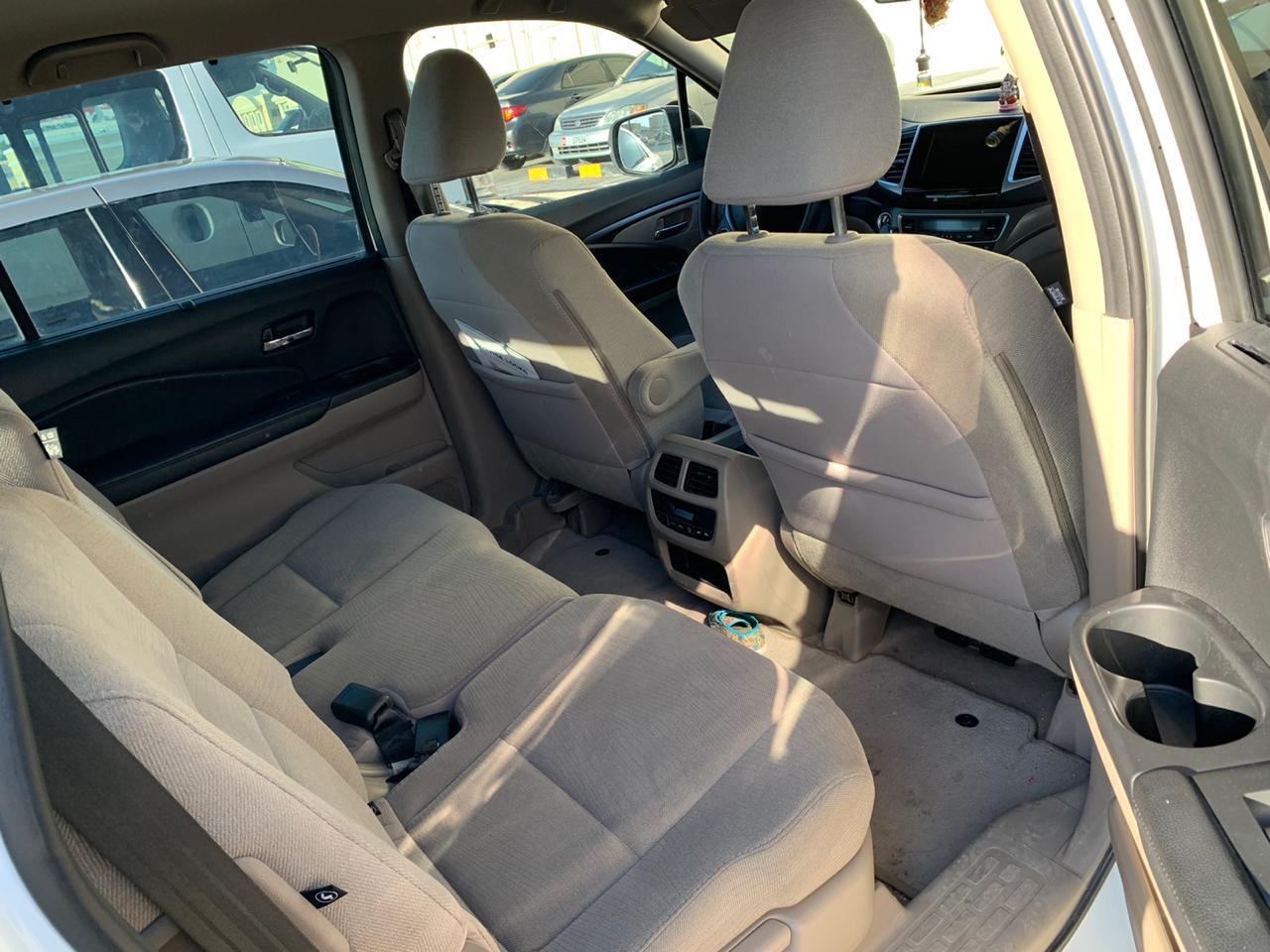 Honda_Pilot_Inside1.jpeg