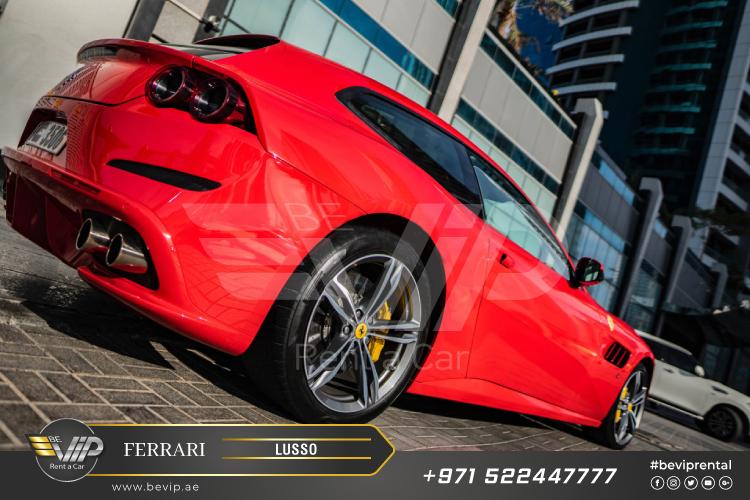 Ferrari-GTC4-Lusso-for-Rent-in-Dubai-g4.jpg