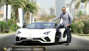 Lamborghini-Aventador-Roadster-2019-For-Rent-in-Dubai-g15.jpg