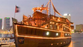 Dhow-Cruise-Dubai-Creek-Rustar-680x500.jpg