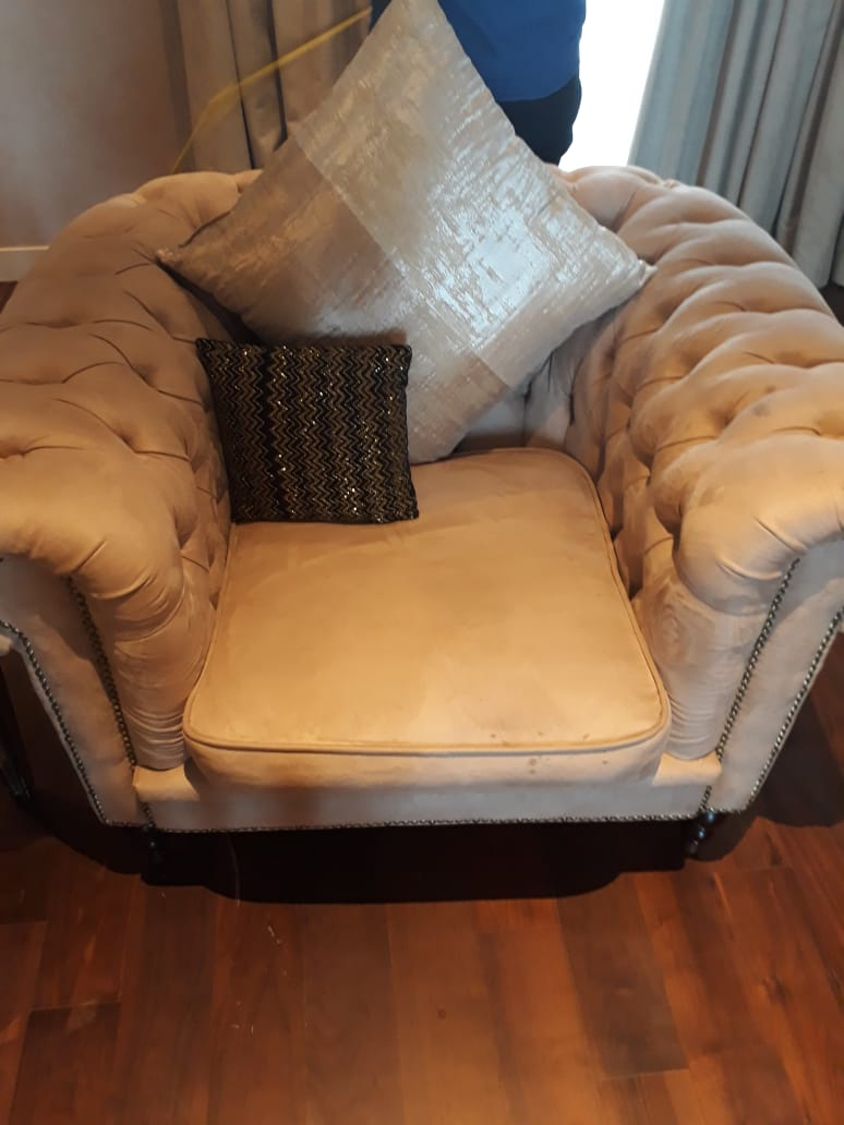Single Seater Sofa Cleaning.jpg