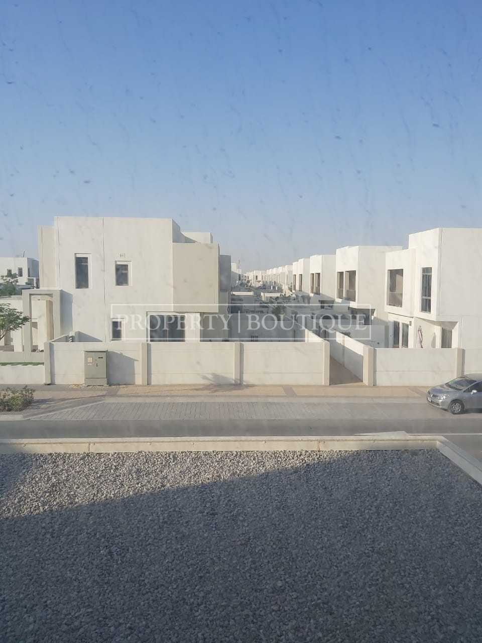 Beautiful 4 Bed + M | Close to the pool | AED 99K - Image 10