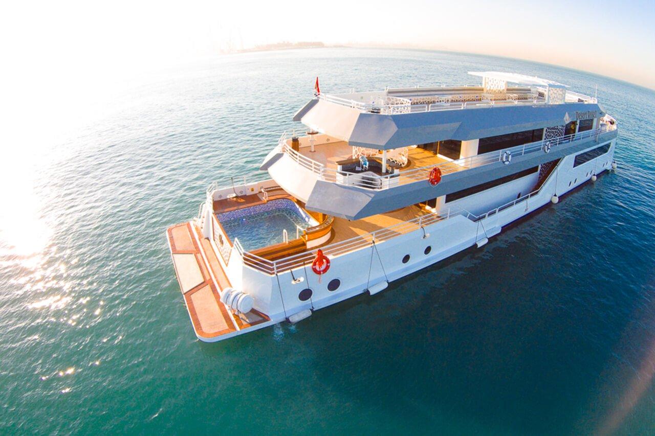 Set Sail on a Yacht in Dubai - 60 minutes.jpg