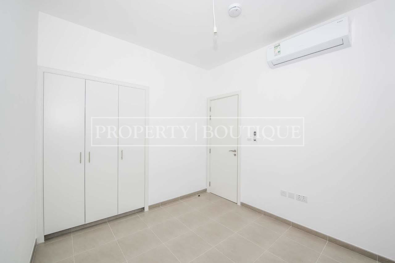 Beautiful 4 Bed + M | Close to the pool | AED 99K - Image 2