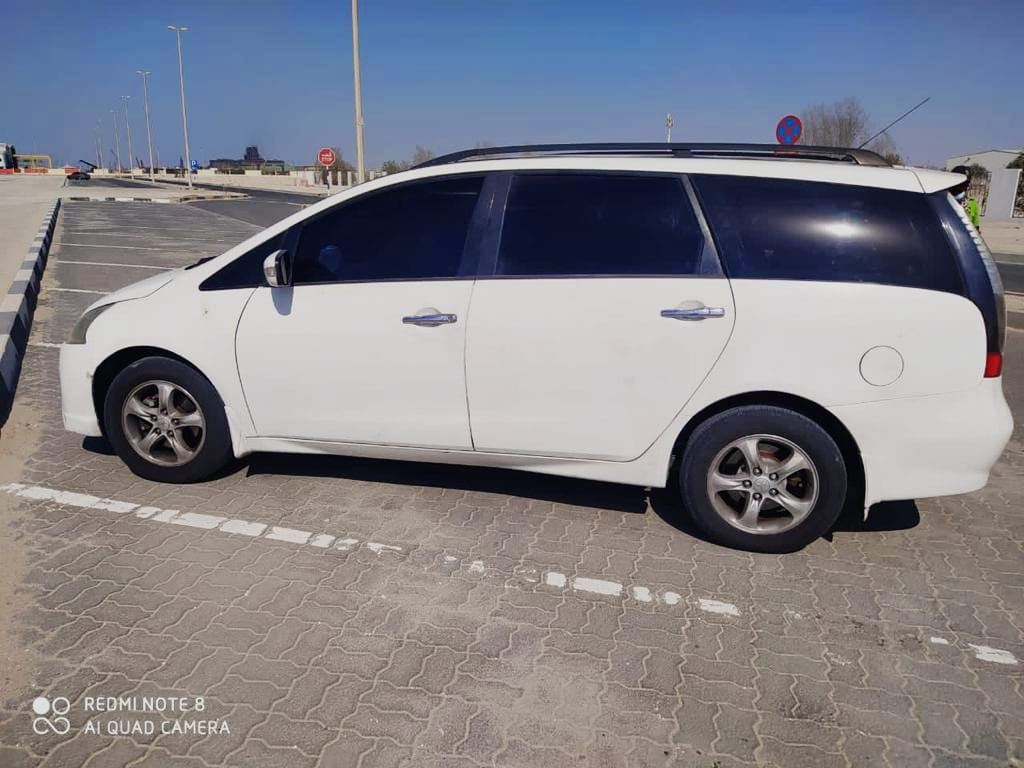 Affordable and Like New. Mitsubishi Grandis 7 seater 2008 for Sale in Abu Dhabi - Image 5