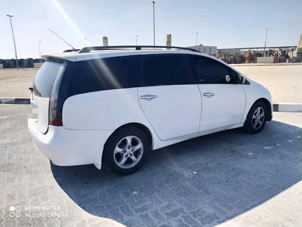 Affordable and Like New. Mitsubishi Grandis 7 seater 2008 for Sale in Abu Dhabi - Image 2