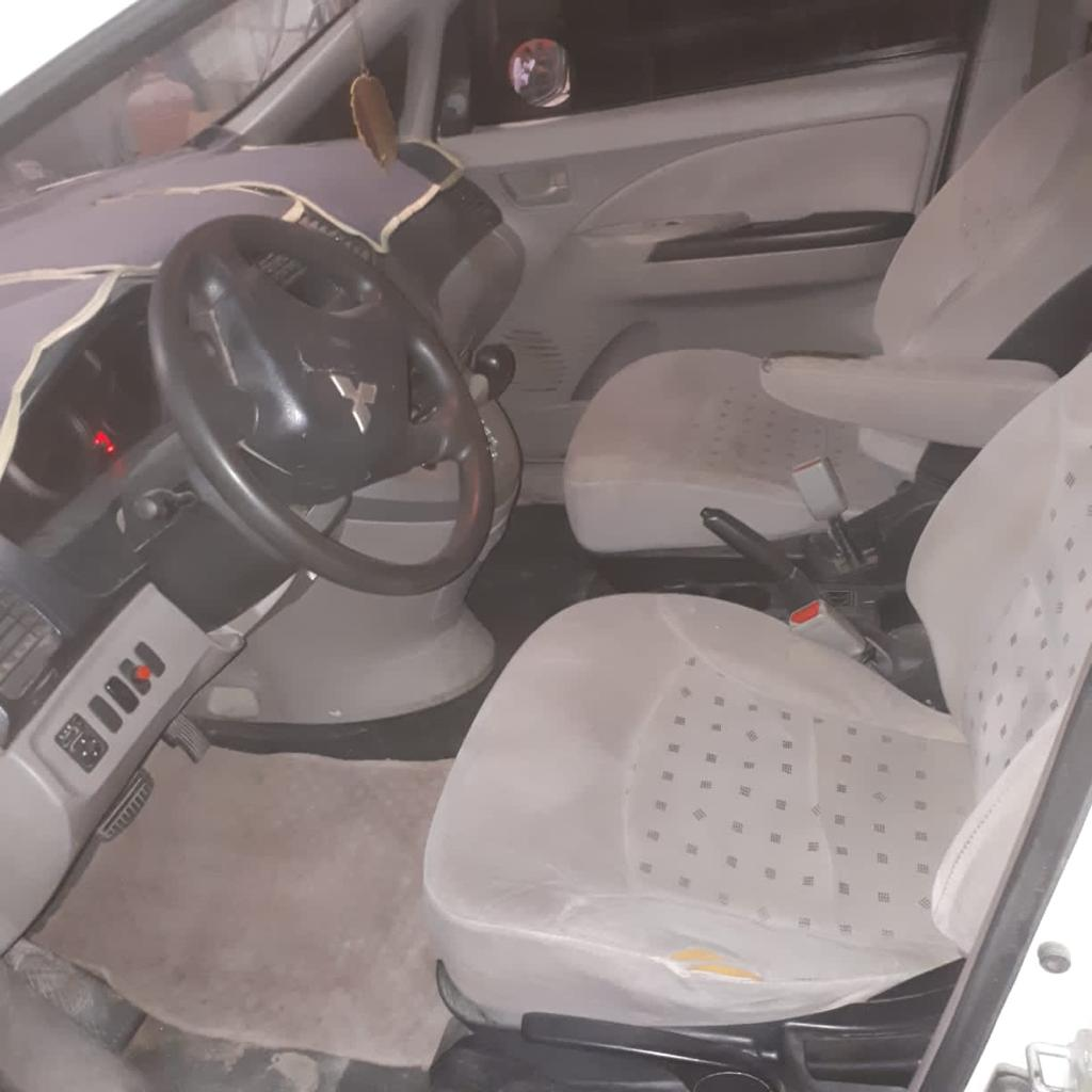 Affordable and Like New. Mitsubishi Grandis 7 seater 2008 for Sale in Abu Dhabi - Image 3