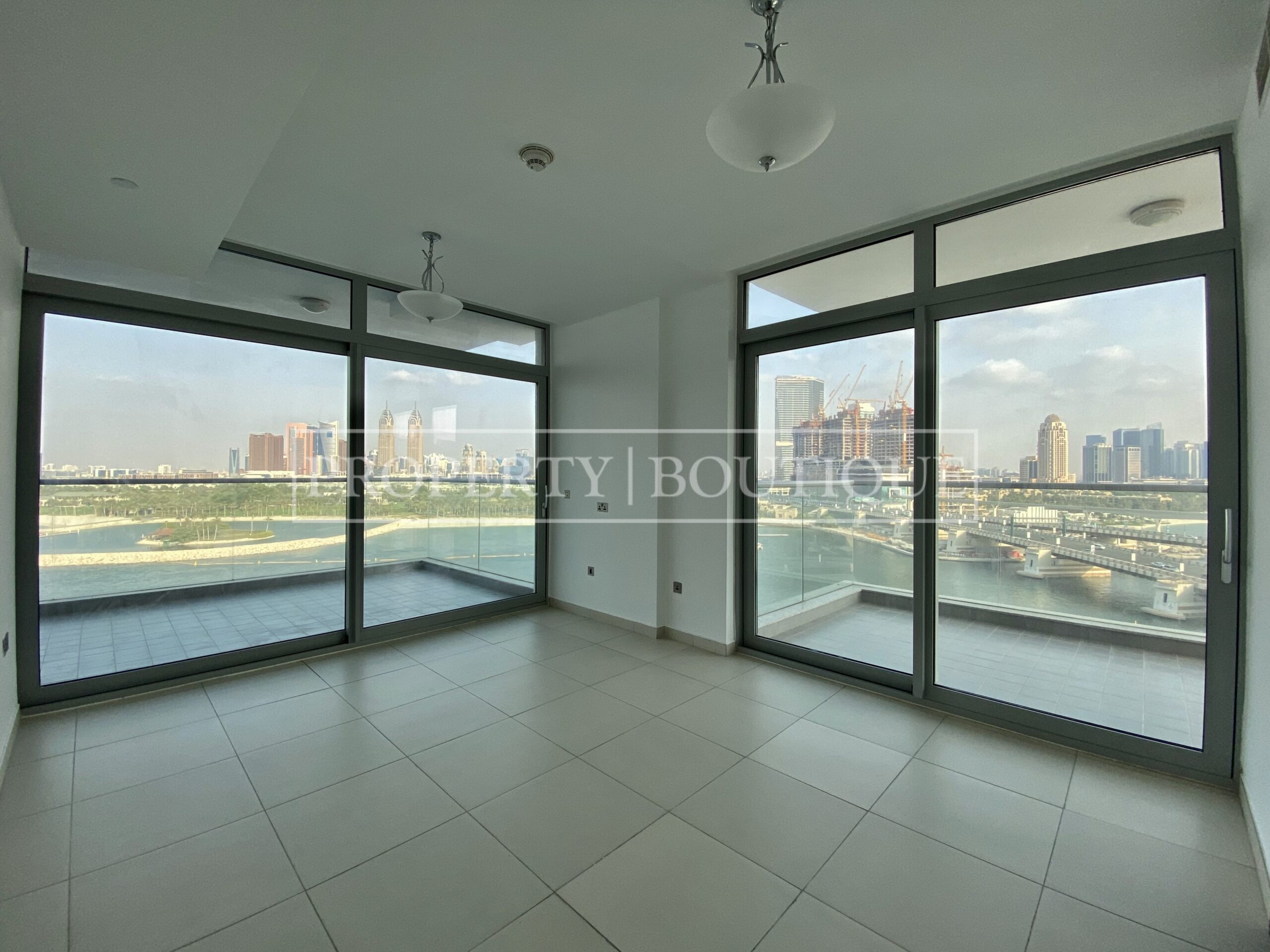 Superb Sea Views | Large 2 Bed + Maid's - Image 2