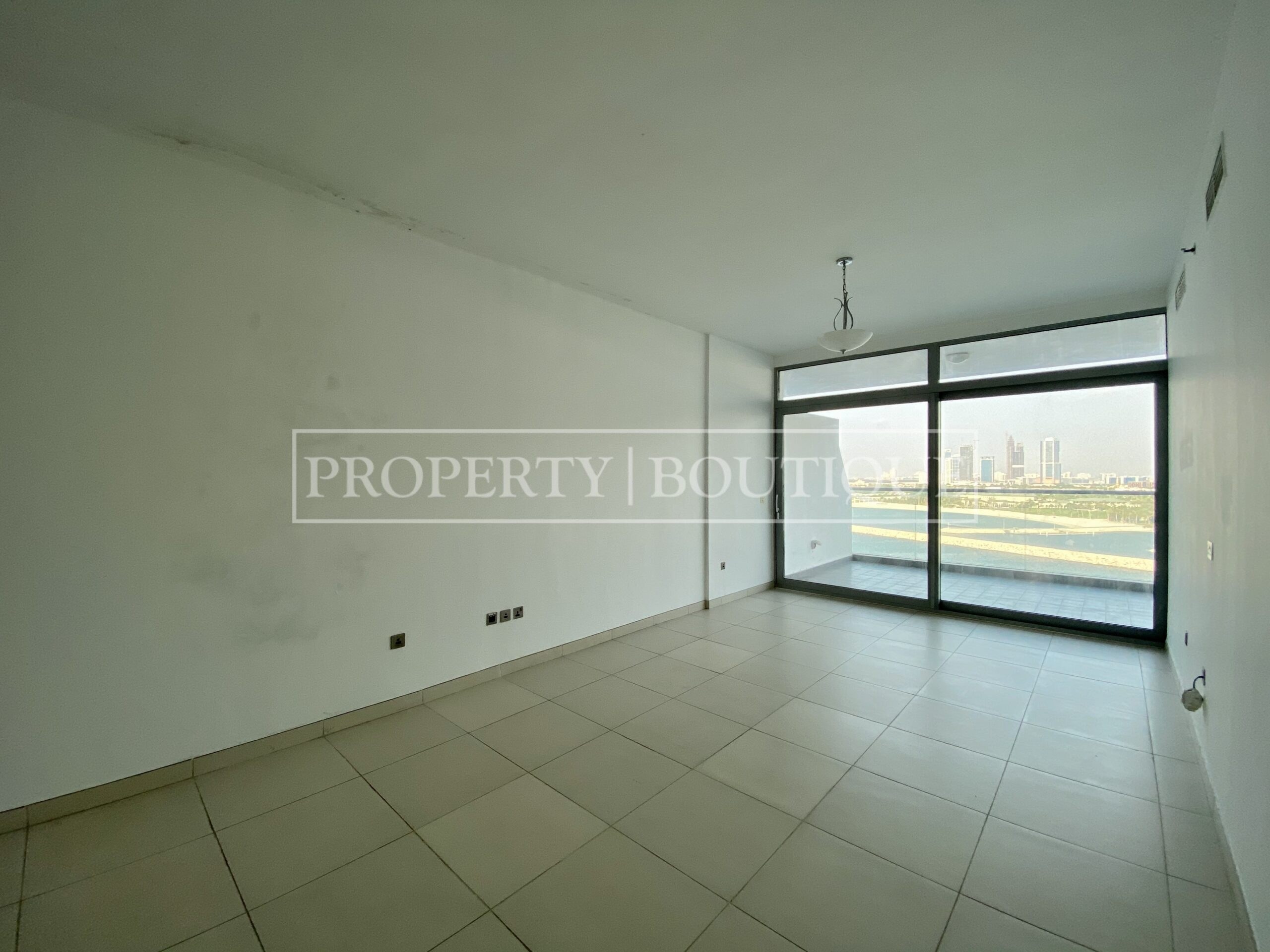 Superb Sea Views | Large 2 Bed + Maid's - Image 5