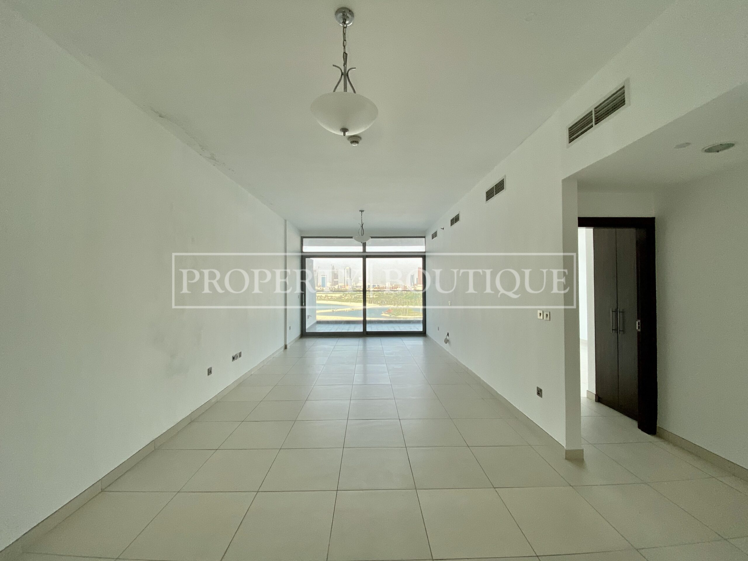 Superb Sea Views | Large 2 Bed + Maid's - Image 4