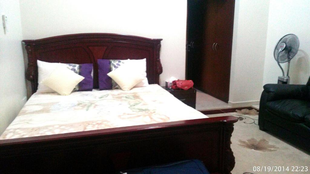 Furnished 1Br Flat by Owner in Discovery GArdens - Image 2