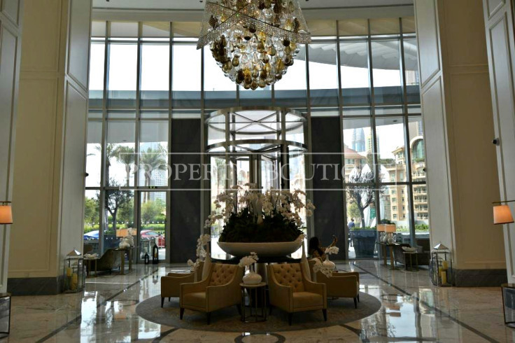 Mid Floor | Burj and Partial Fountain view - Image 12