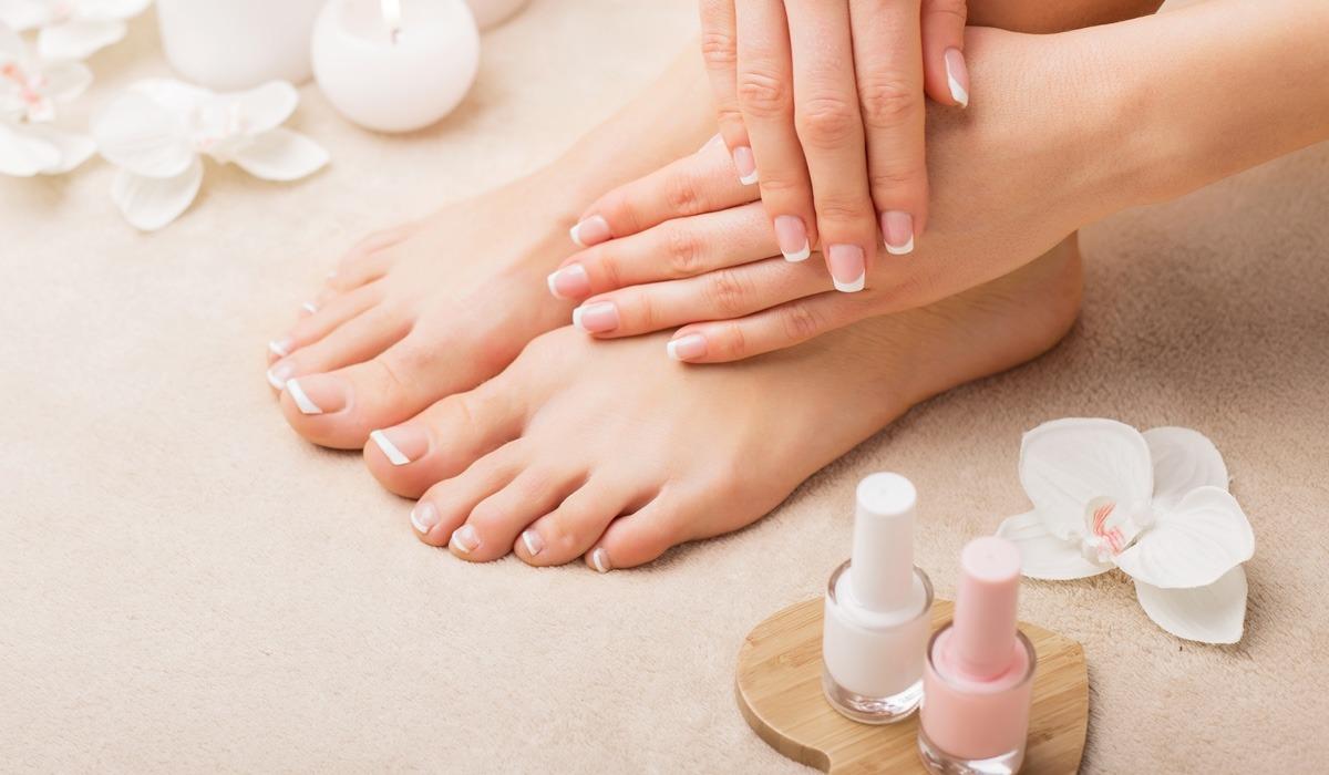 nails-Manicure-Pedicure.jpg