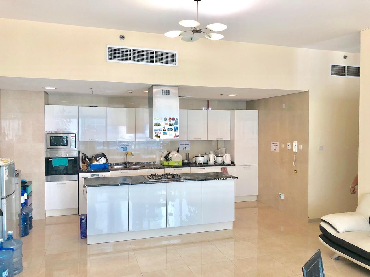 AR1 501 kitchen area.jpeg