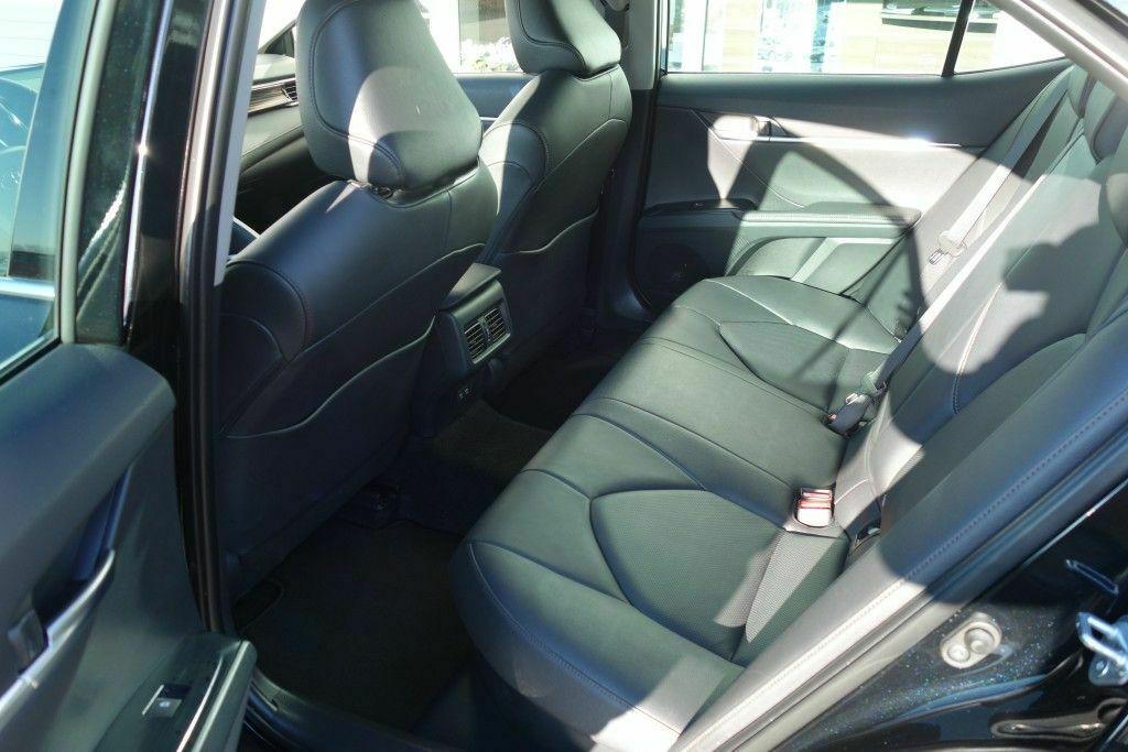 Toyota Camry Executive 218 PS Navigation 6.jpg