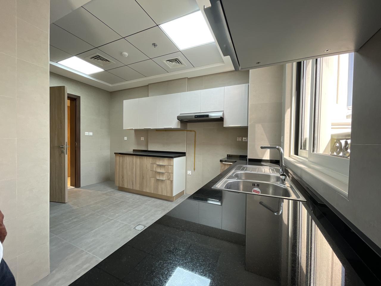 Premium Brand New 1 Bedroom Apartments - Image 4