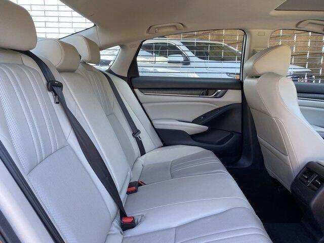 2019-honda-accord-ex-l-4dr-sedan-1-5t-i4 (18).jpg
