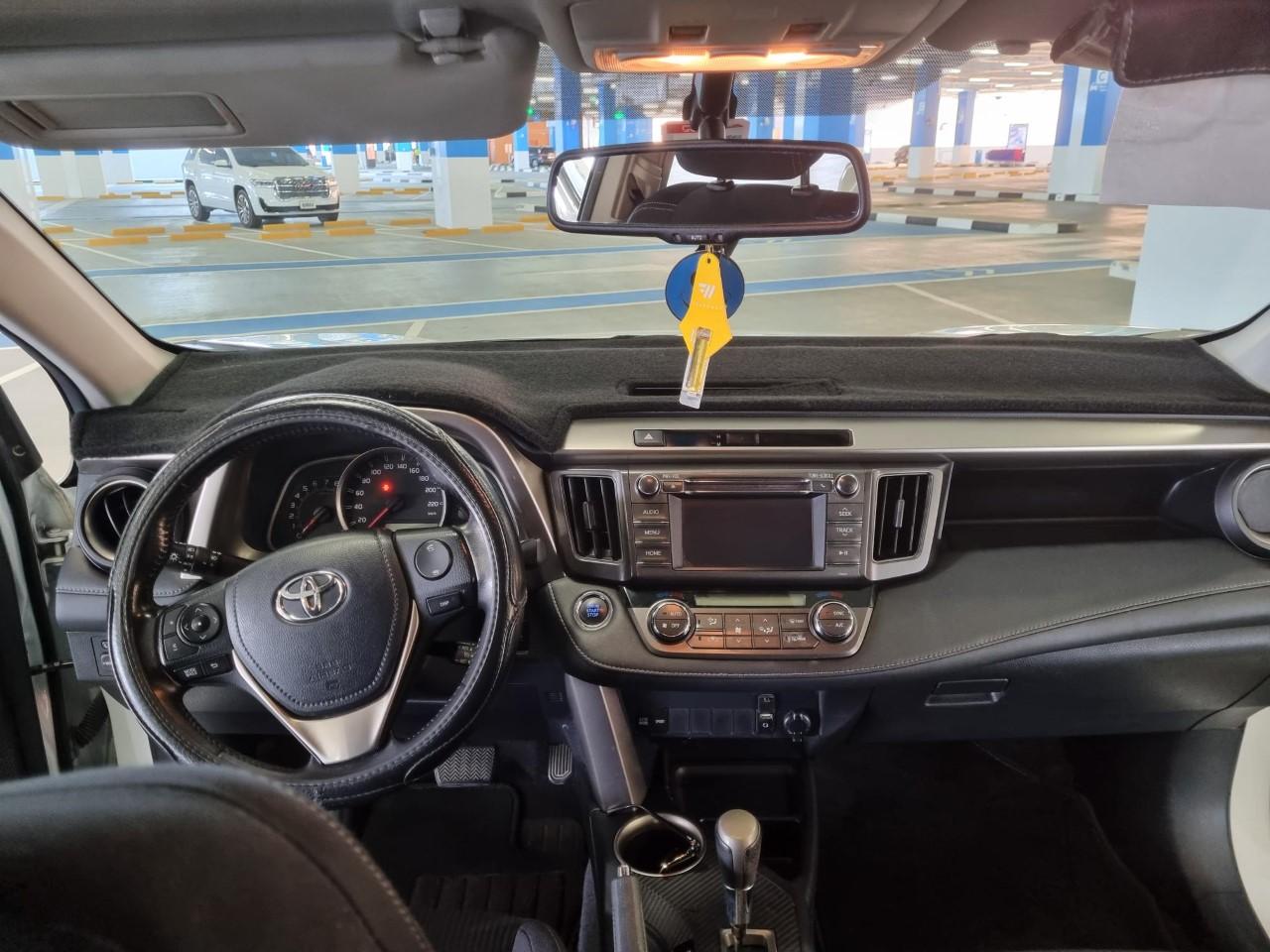 Toyota RAV4 GXR 4WD 2015 GCC - Image 4