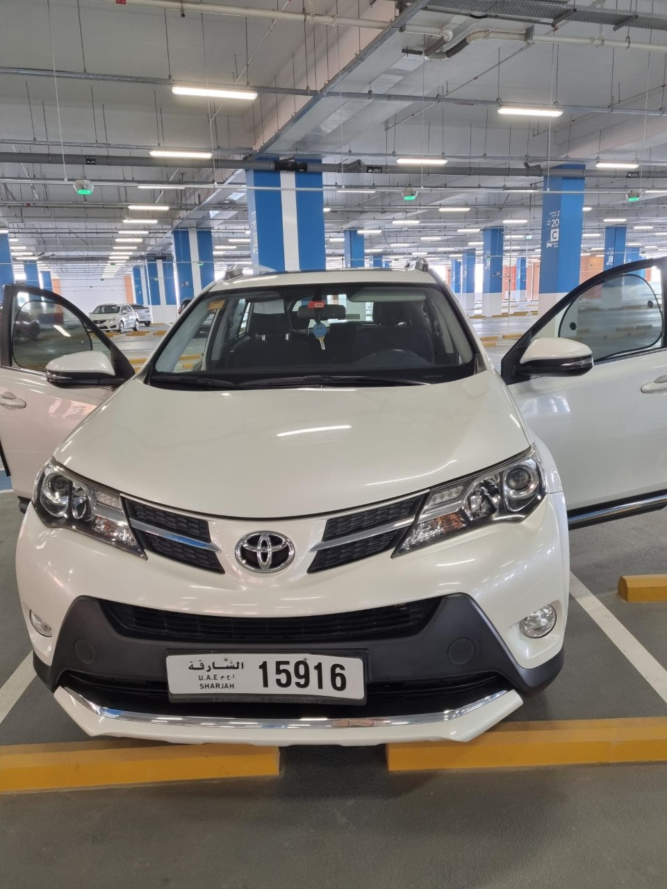 Toyota RAV4 GXR 4WD 2015 GCC - Image 6